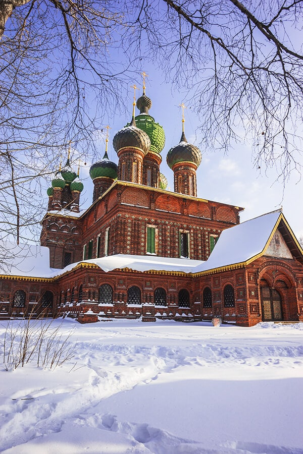 Tserkov' Bogoyavleniya, one of the many churches in Yaroslavl, Russia. #travel #churches #russia