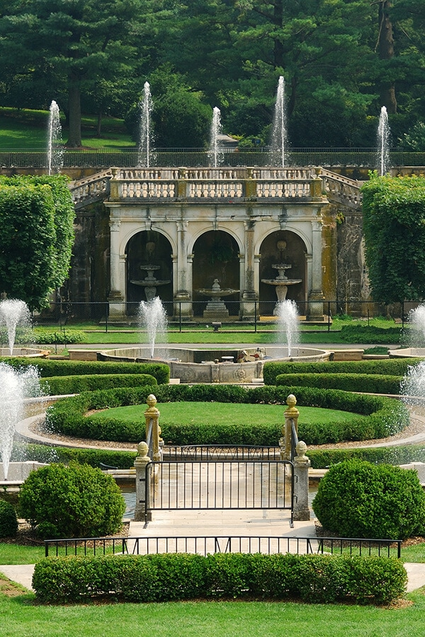 Beautiful view of Longwood Gardens, a beautiful garden in Pennsylvania. This day trip in Pennsylvania is worthwhile for flower lovers! #travel #pennsylvania #phily