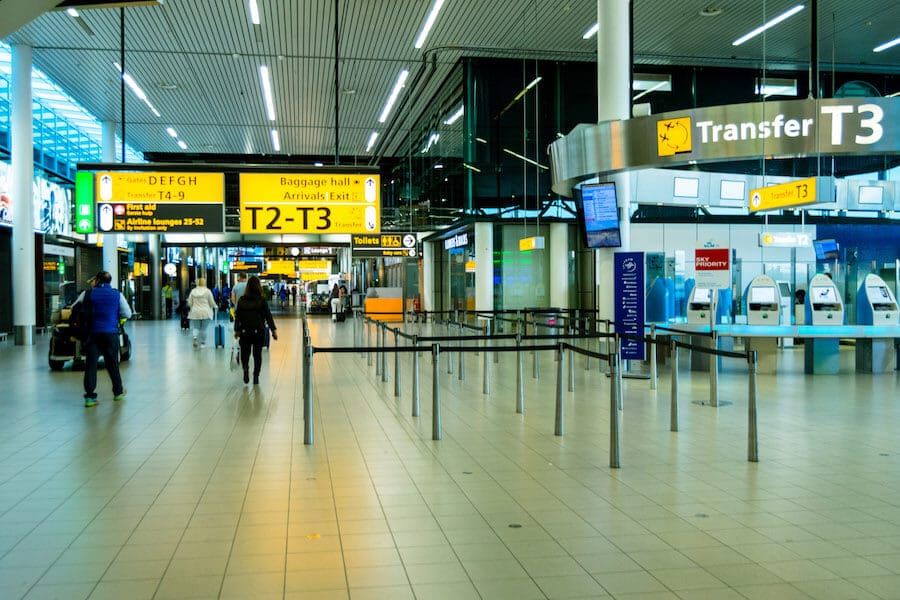 Transfer area in Schiphol airport, where to go if you have a delay on your earlier flight with a connecting flight!