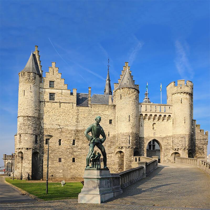 Het Steen, the castle of Antwerp and one of the oldest buildings in the city. If you're walking through Antwerpen, Belgium, be sure to stop off here! #antwerp #Belgium #travel