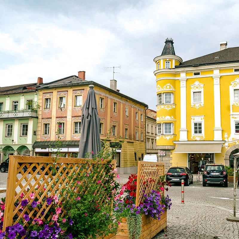 Colorful pastel buildings in the preserved medieval city center of Freistadt, Austria #travel #austria