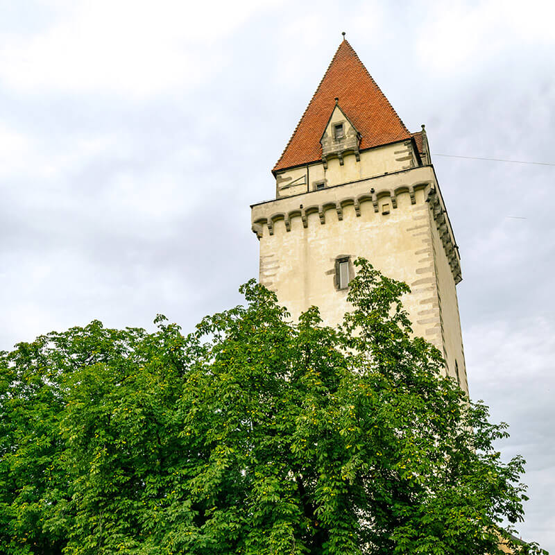 Tower of the Freistadt Castle, one of the best places to visit in Freistadt, Austria. #travel #history #austria