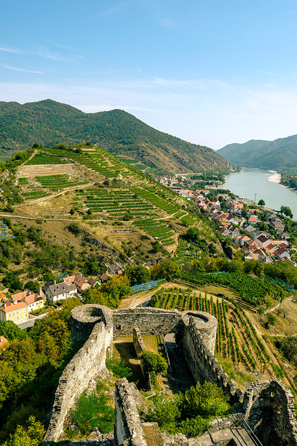Beautiful free castle ruins in Austria's Wachau Valley.  Read how to save money on attractions in Austria! #travel #austria #budget #wachau