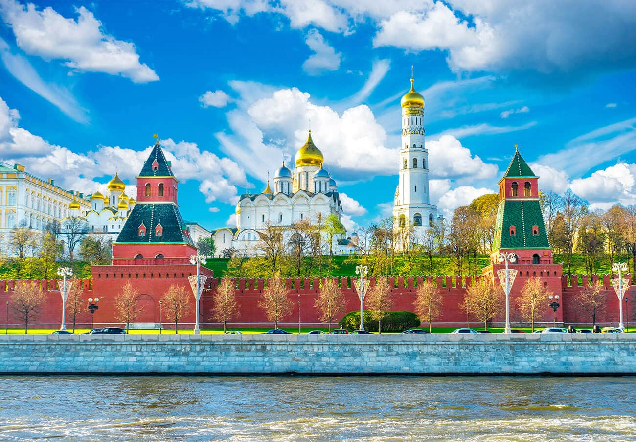 Planning your first trip to Russia? 30 travel tips for travel in Russia that you'll want to read!