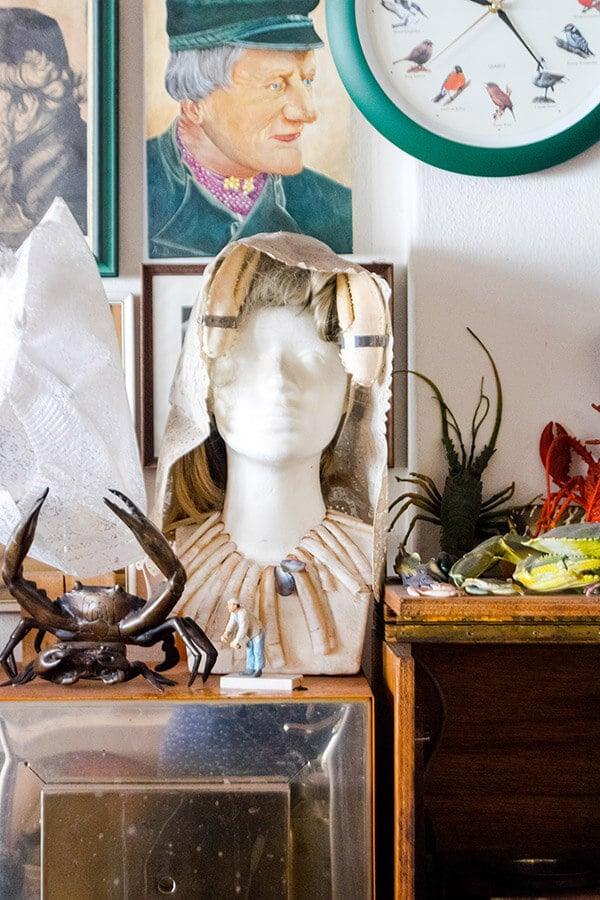 Creative take on Zeeuwse klederdracht at a jewellery shop in Middelburg, the Netherlands.  You must step into this unique shop in Middelburg! #middelburg #nederland
