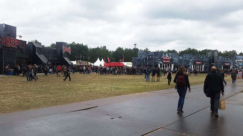 People walking along the grounds of Graspop (GMM).