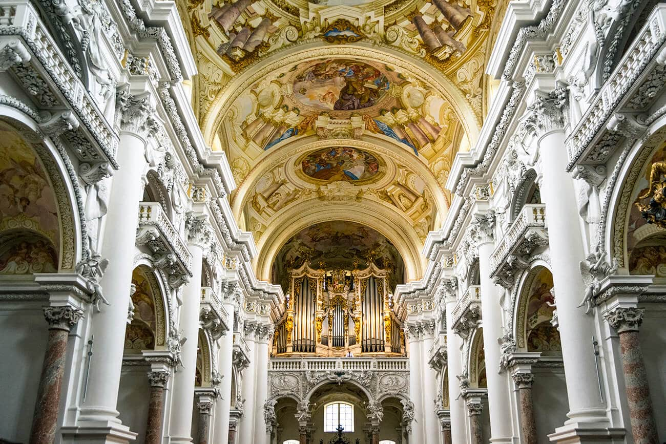 The stunning Brucker organ at the Stift St. Florian (St. Florian Monastery), one of the highlights of visiting this beautiful baroque Austrian monastery. #austria #baroque #basilica #catholicism