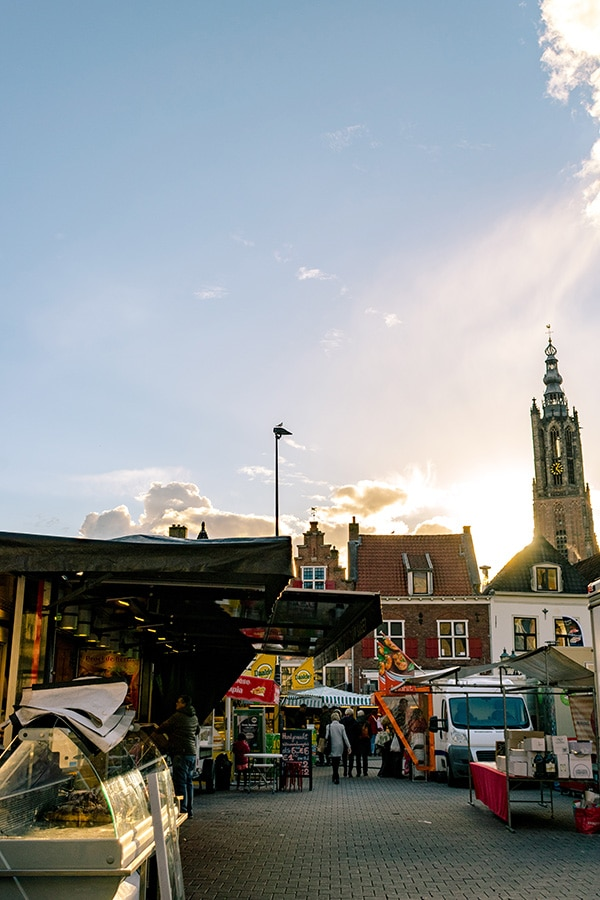 Beautiful sunset near Markt, one of the open air markets in Amersfoort held on Saturdays with a view of Onze Lieve Vrouwetoren. #travel #netherlands #nederland #amersfoort
