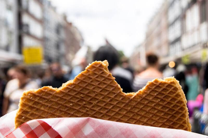A romantic thing to do in Amsterdam is to get dessert (stroopwafel) instead of breakfast at one of the markets! #amsterdam