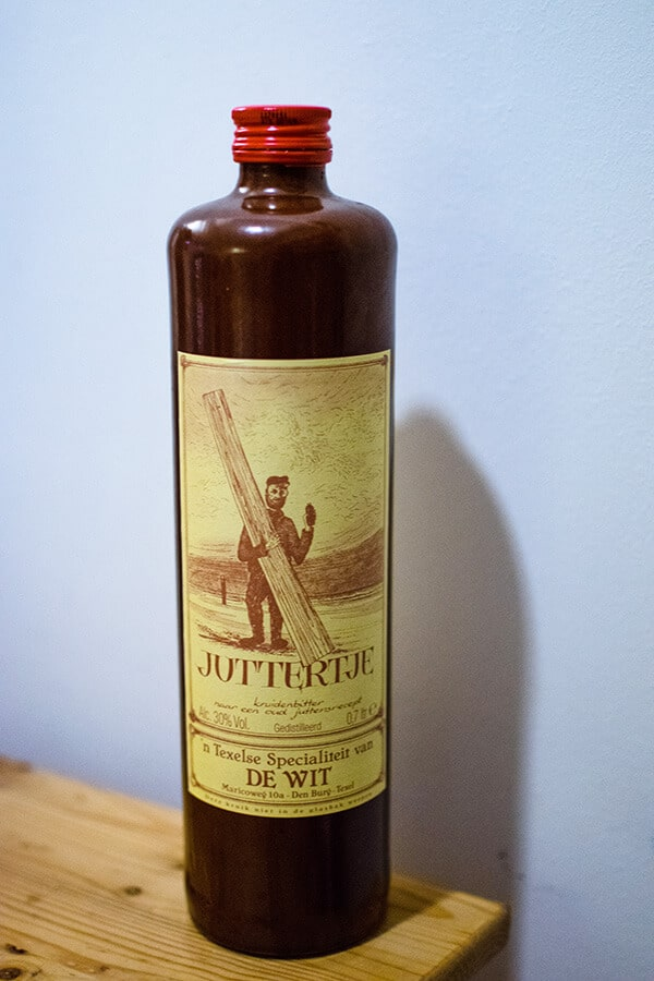 Juttertje, a unique Dutch liquor that you'll want to try in the Netherlands! #netherlands #jenever