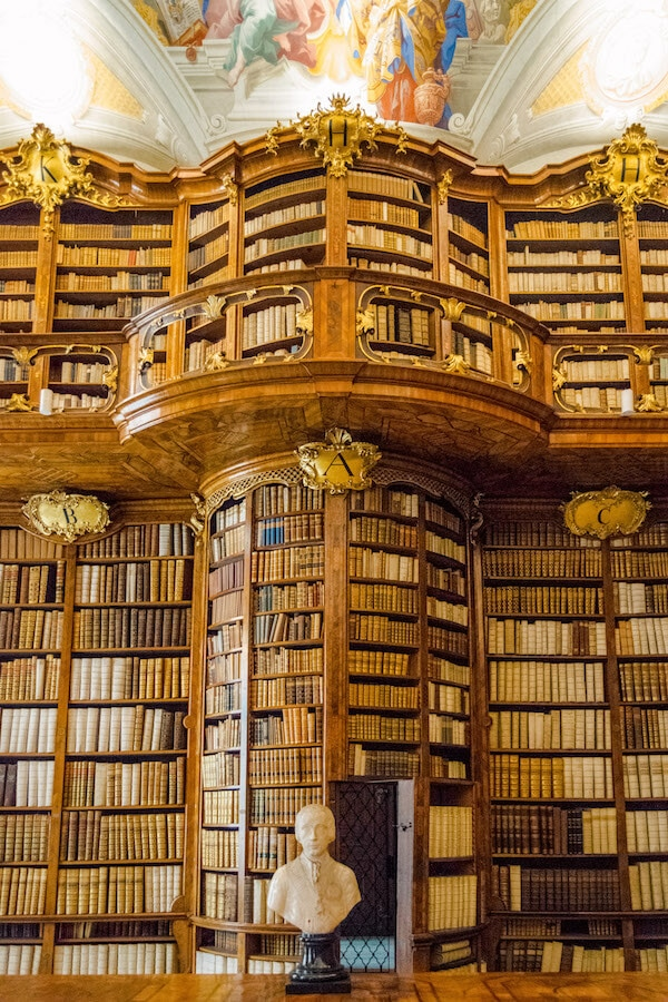 Beautiful library just a day trip from Linz, Austria. You need to see one of the gorgeous libraries while in Austria! #travel #austria #library #Bibliophile