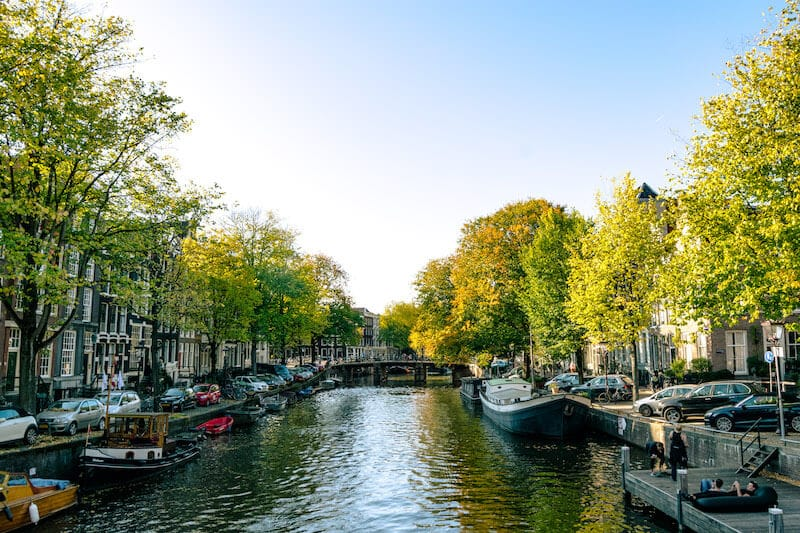 Beautiful view of Brouwersgracht, one of the most beautiful streets in Amsterdam to take photos on! #travel #amsterdam