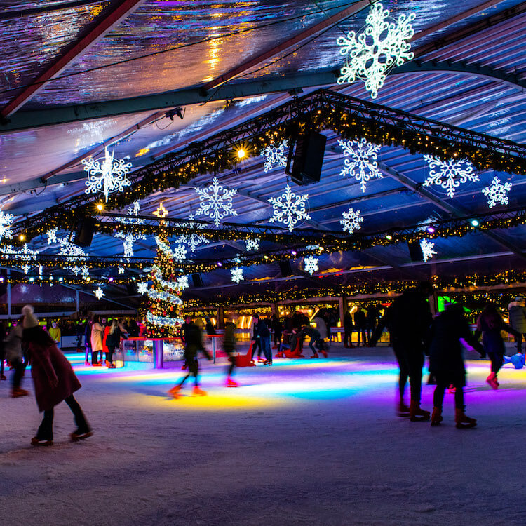 People ice skating at the ice skating rink at Magical Maastricht. #maastricht #travel #netherlands