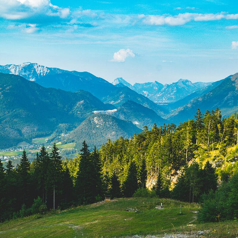 Beautiful views of the alps in Austria. You must include hiking in your week in Austria! #austria #travel