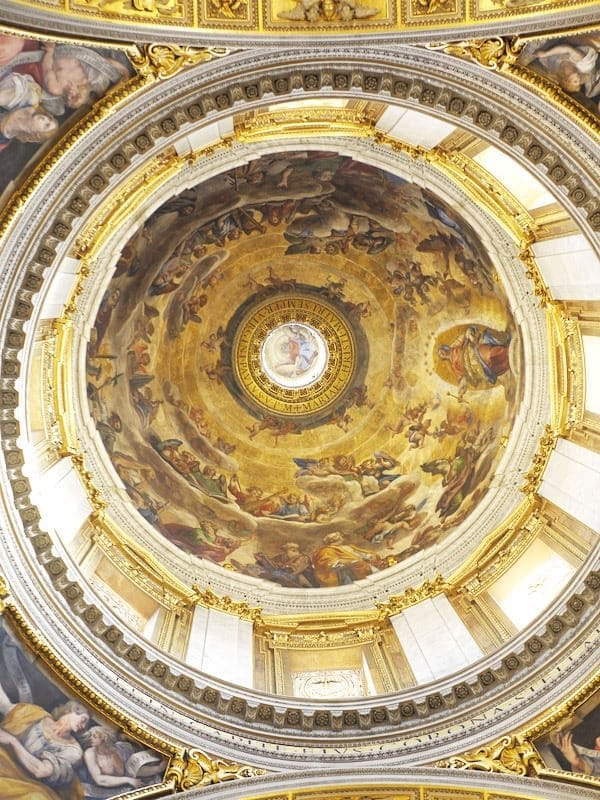 Beautiful fresco within Santa Maria Maggiore Cathedral in Rome. This beautiful church in Rome is less crowded than some others! #rome #italy #travel
