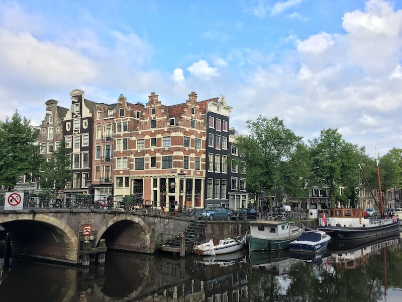 Moving to Amsterdam? Your ultimate guide on how to find a flat to rent in Amsterdam written by an expat!