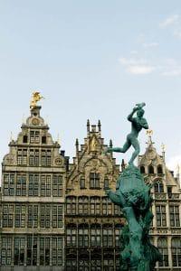 Beautiful view of Grote Markt in Antwerpen, which you should include in your Belgian itinerary! #travel #belgium #antwerpen