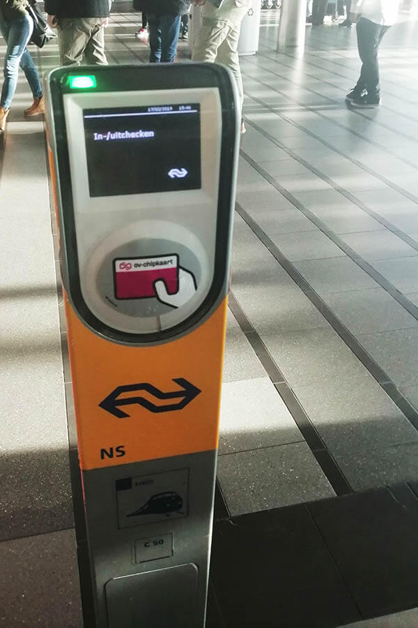 Machine used for tapping in your ticket at Schiphol Airport. You must activate your ticket if you are taking the train to Amsterdam! #schiphol #amsterdam