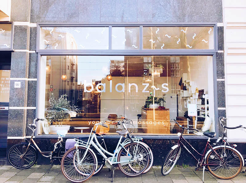 The exterior at Balanzs yoga studio in the Hague, an expat-friendly yoga studio in the Hague