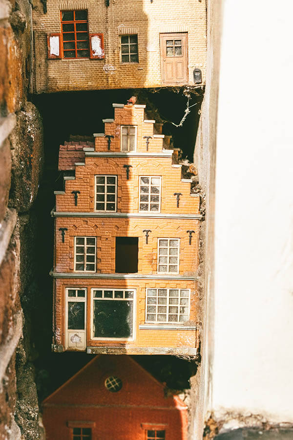 Close-up of the miniature tiny hidden house in Amsterdam within the Jordaan! #amsterdam #holland