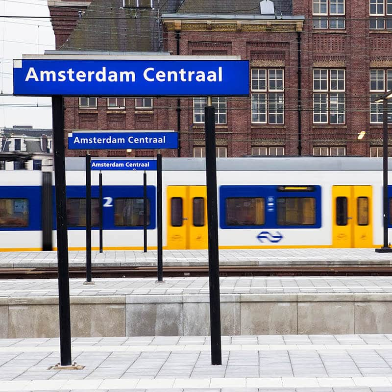 Photo showing a train from Schiphol Airport pulling into Amsterdam Centraal