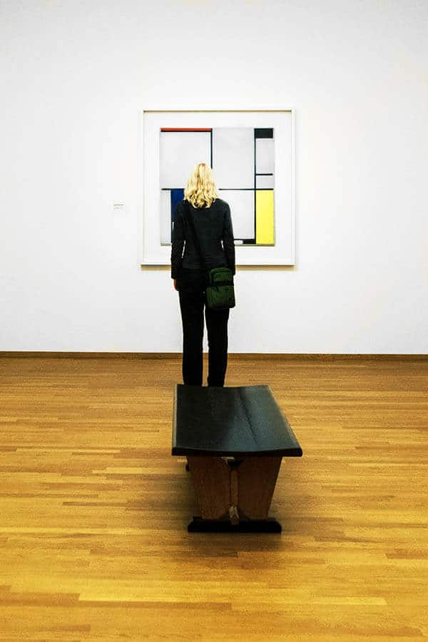 Woman admiring a Mondrian painting at the Gemeentemuseum in the Hague, which has the largest collections of Mondrians in the world. #art #mondrian #mondriaan #art
