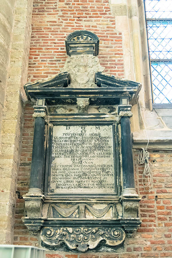Grave of Willebrord Snellius within the Pieterskerk in Leiden, the Netherlands. #math #mathhistory #leiden
