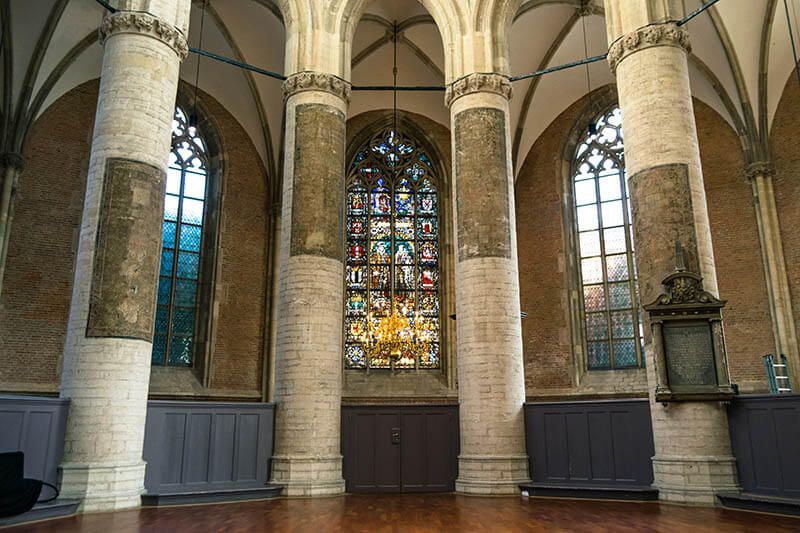Beautiful view of the windows in the Pieterskerk in Leiden!