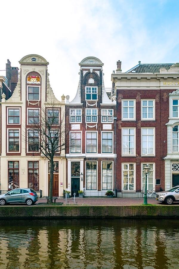 Beautiful canalhouses along a canal in Leiden, a city in Holland