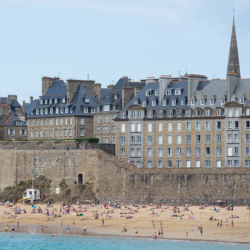 Saint Malo is one of the filming locations of Netflix's new Dutch series, Undercover!