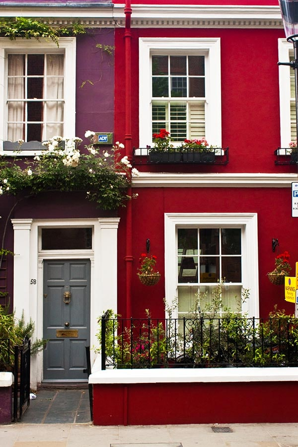 Exterior of Notting Hill house, one of the key locations for Literary London!