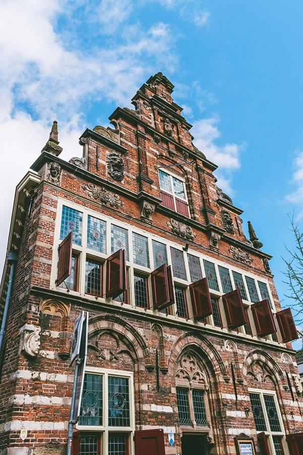 Beautiful photo of the historic city hall in Woerden, one of the best things to see in Woerden!