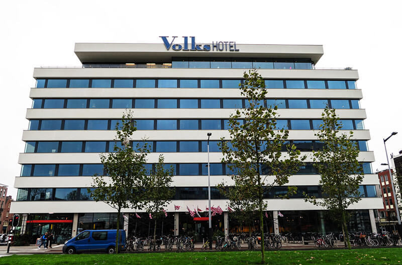 Exterior of the Volkshotel in Amsterdam, a cheap hotel in Amsterdam Oost
