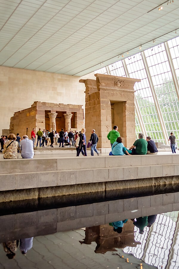 Temple of Dendur, an ancient Egyptian temple, in the middle of the Metropolitan Museum in New York, one of the best museums in New York City!