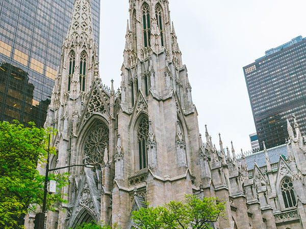 Beautiful St. Patrick's Cathedral in New York City, one of the most beautiful churches in New York!