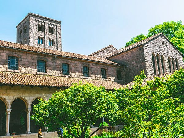 Beautiful medieval-style courtyard at the Met Cloisters Museum in Manhattan